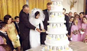johnson-nugent-wedding-cake1966.jpg